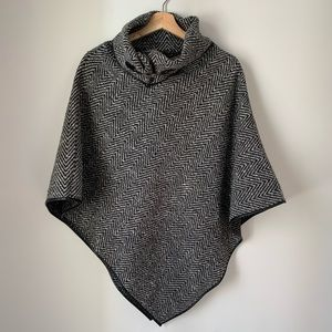 Kelly & Katie Poncho Women's Ons Size Fits Most